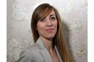 Une nouvelle élève-ingénieure bénéficiaire de la bourse d'études Marketing-Biotech