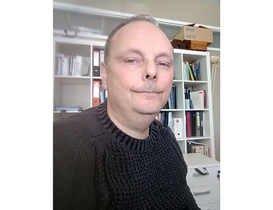 François DEMONTOUX, professeur à l'université de Bordeaux, chercheur au laboratoire IMS (Intégration du Matériau au Système, UMR 5218), enseignant à l'IUT de Bordeaux en Génie électrique et informatique industrielle, co-porteur du projet Hi-Care