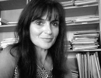 Nathalie PINEDE, maître de conférences HDR en sciences de l'information et de la communication à l'université Bordeaux Montaigne (IUT), membre du laboratoire MICA (Médiations, Information, Communication et Arts), co-porteuse du projet Hi- Care