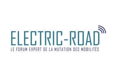 La chaire monte sur le ring d'Electric Road!